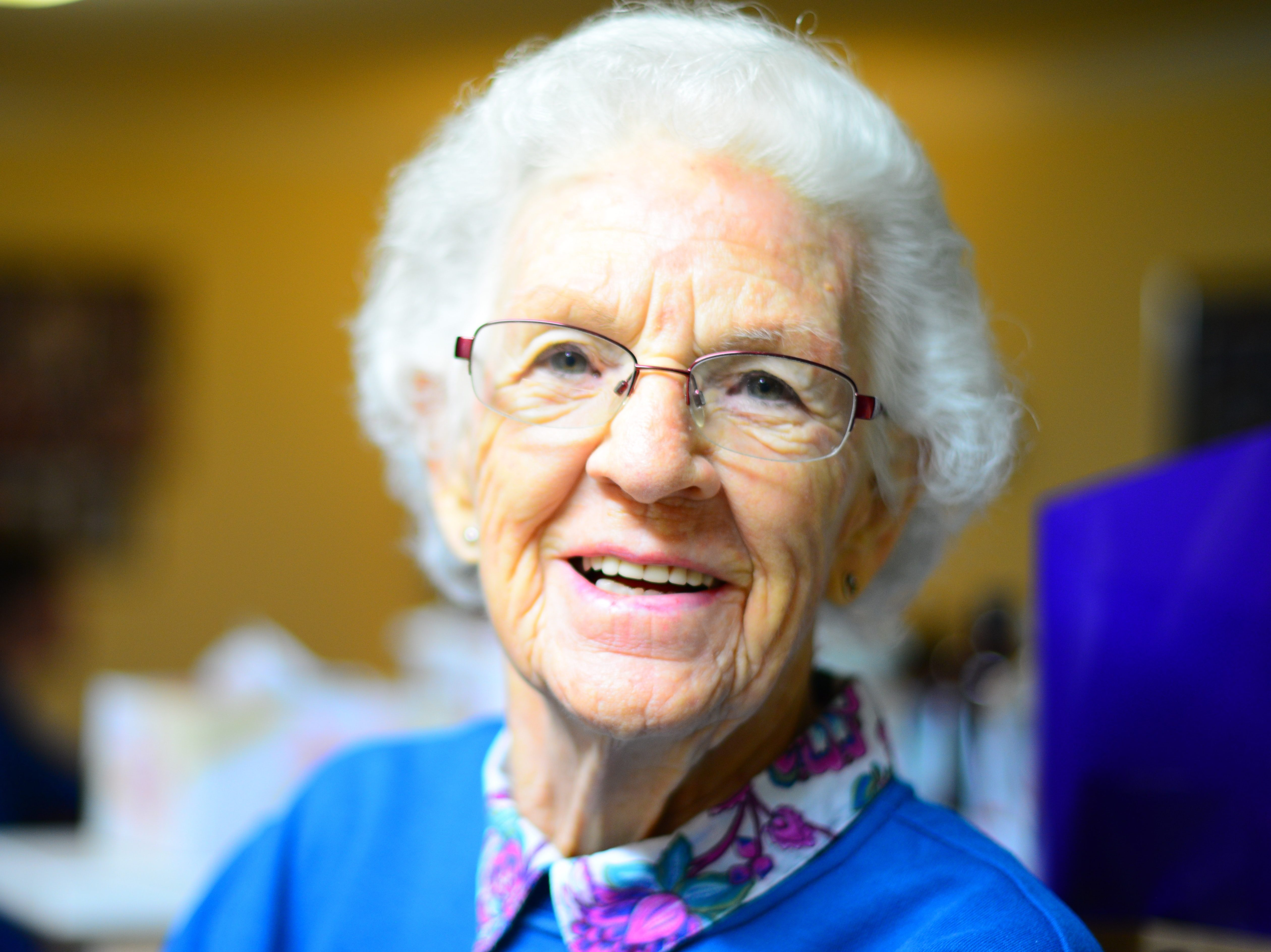 adult-elder-elderly-enjoyment-432722
